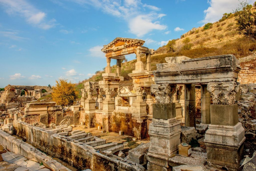 Efes Antik Kenti - Harabeler