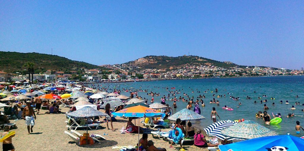 Yeni foça halk plajı, İzmir