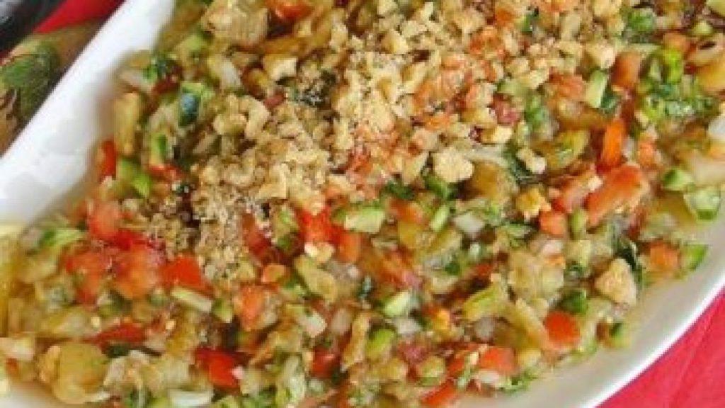 Köz Patlıcanlı Gavurdağı Salatası