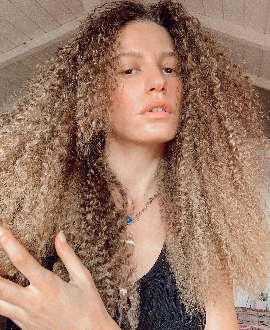 Serenay Sarıkaya Saç Modelleri