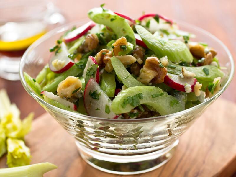 Kereviz Sapı Salatası Tarifi İçin Malzemeler
