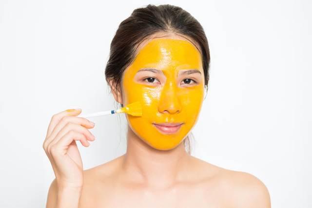 mısır unu zerdeçal maskesi