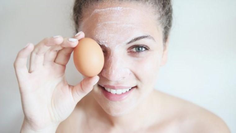 Yumurta Akı Maskesinin Diğer Faydaları