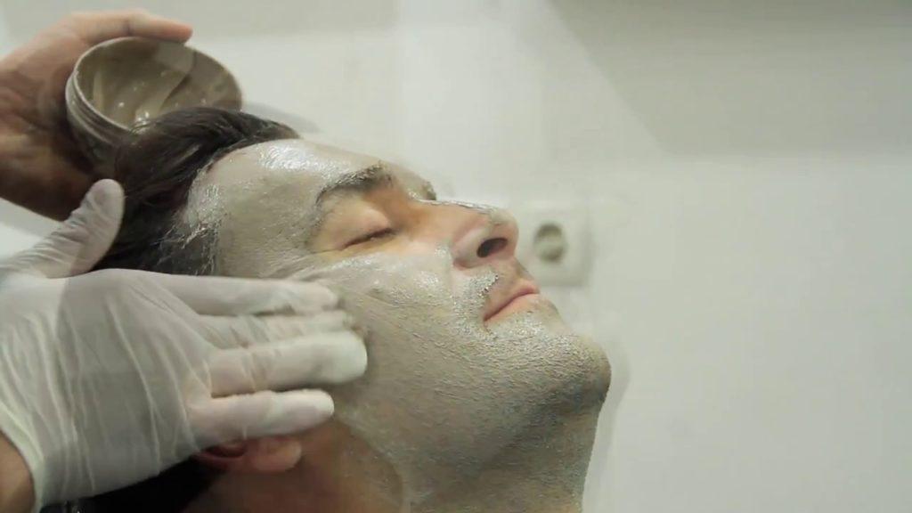 erkek yüz maskesi