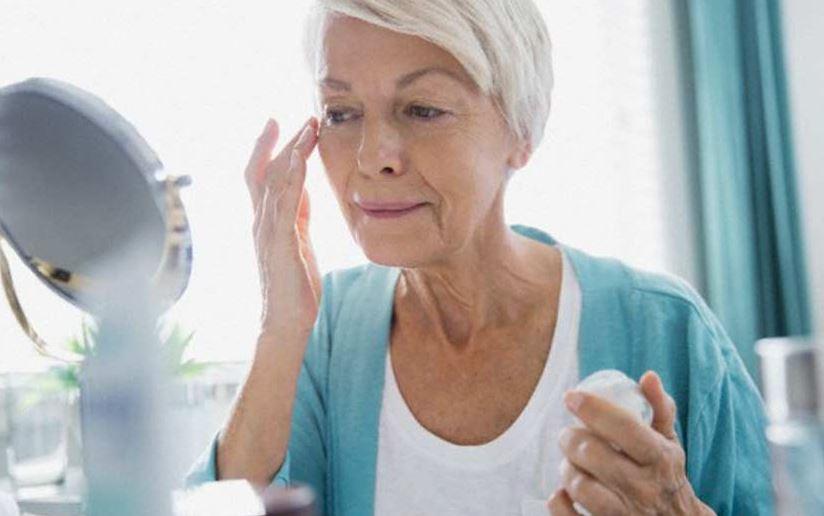 50 yaş üstü kadınlar için cilt bakımı